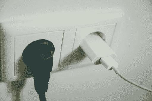 Deux prises électriques